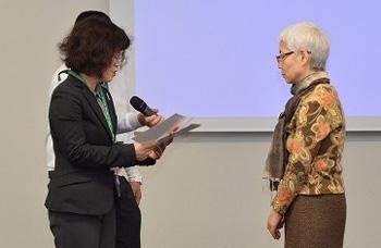 パルシステム東京理事長からカンパ目録を贈呈