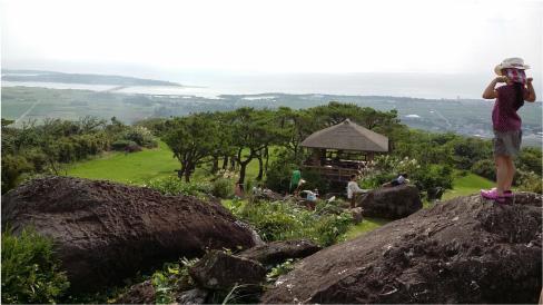 久米島には海と山がある 登武那(とぅんなは)覇公園/2015年11月 (沖縄・球美の里 51回目の保養)