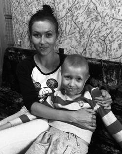 ダニーラ ベラルーシ・モーズィリ市。8歳。腎臓がん。化学療法を受けている。